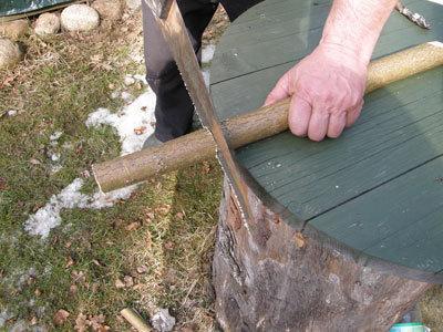 Nupjauname pagal reikiamą ilgį ir įpjauname, kur prasidės atviras latakas